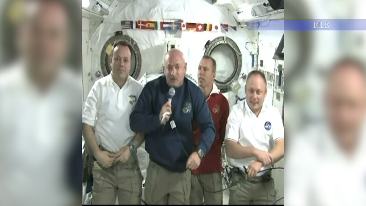 Mark Kelly joins list of former astronauts to serve in Congress