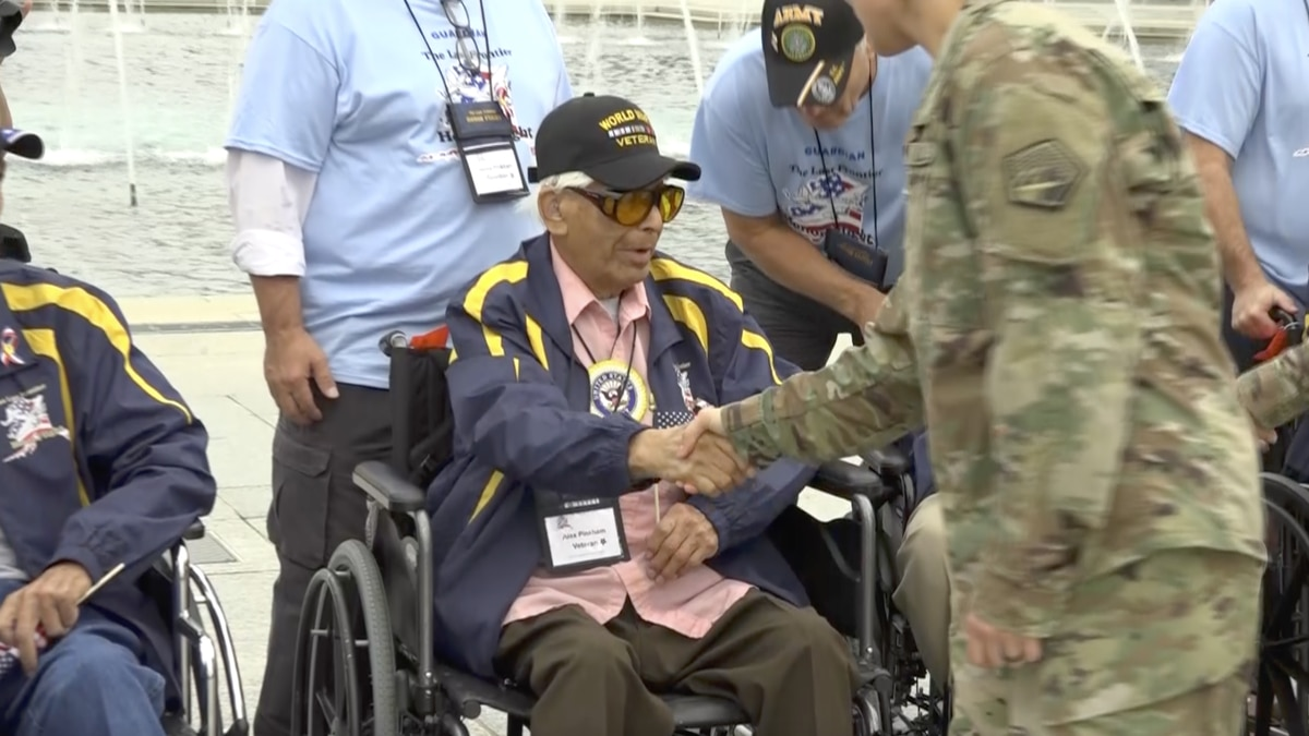 Alex Pinkham is 94 and touring the National Mall on the Last Frontier Honor Flight. (Source: Gray DC)