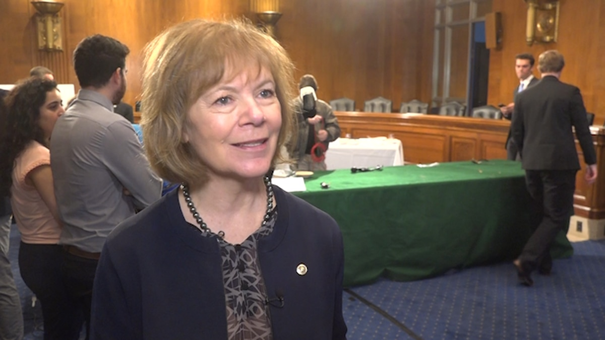 Sen. Tina Smith says she'll keep the tradition alive if she's back next year.