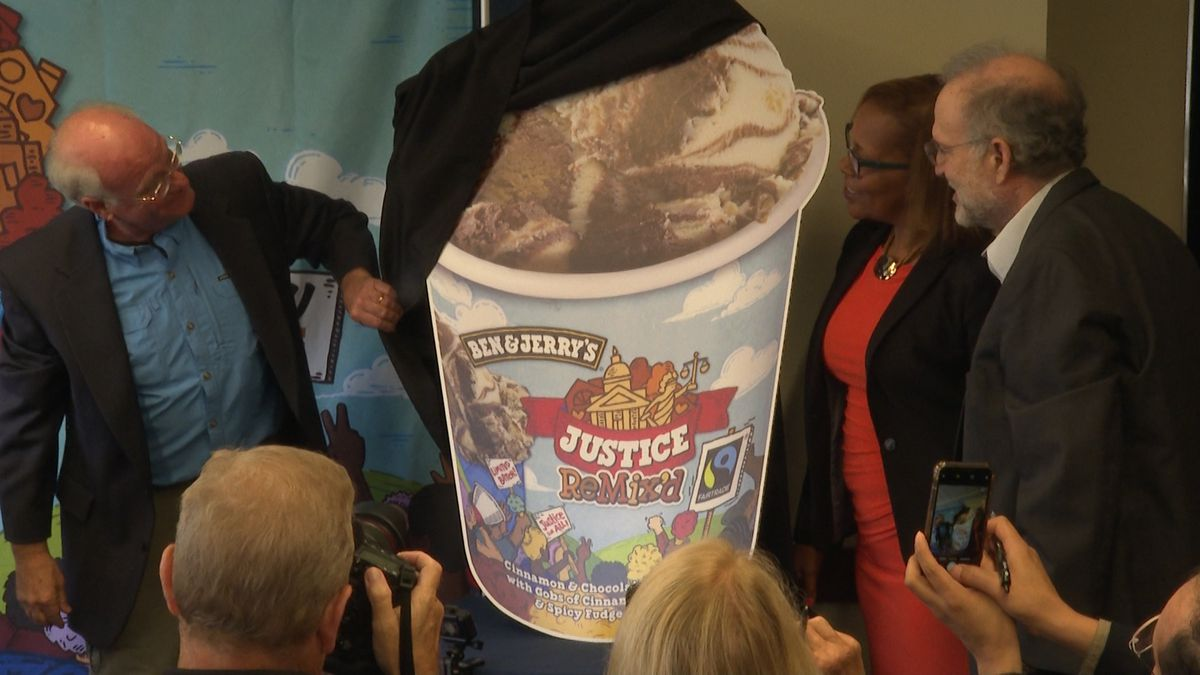 """Ben Cohen and Jerry Greenfield unveil Ben and Jerry's newest flavor,  """"Justice ReMix'd."""" (Source: Gray DC)"""