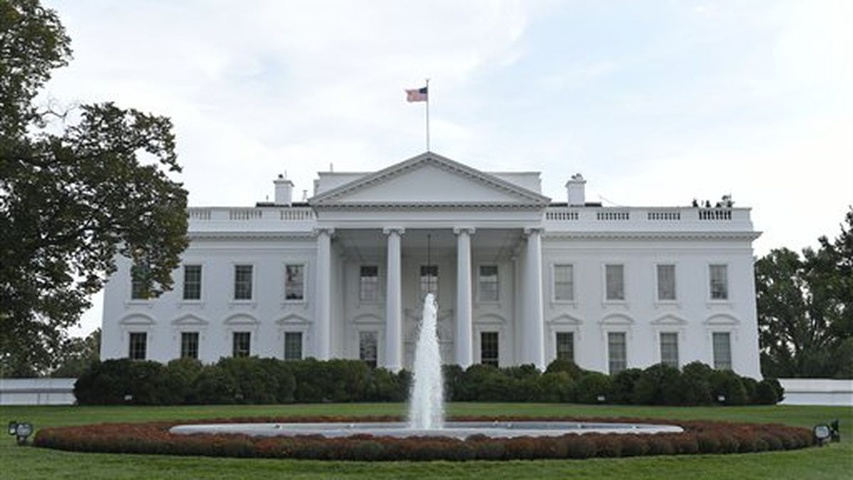 A view of the White House in Washington, Friday, Oct. 9, 2015. (AP Photo/Susan Walsh)
