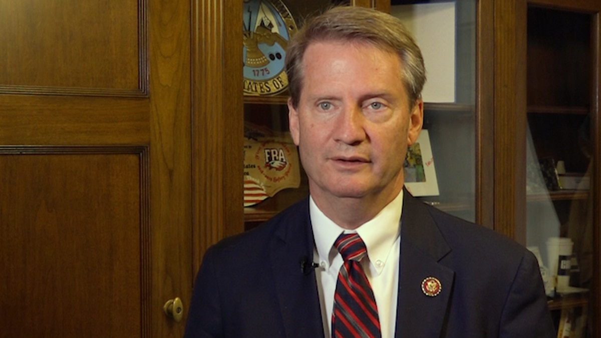 Rep. Tim Burchett (R-TN) says his social media wouldn't be as effective if he had professionals running it. (Source: Gray DC)