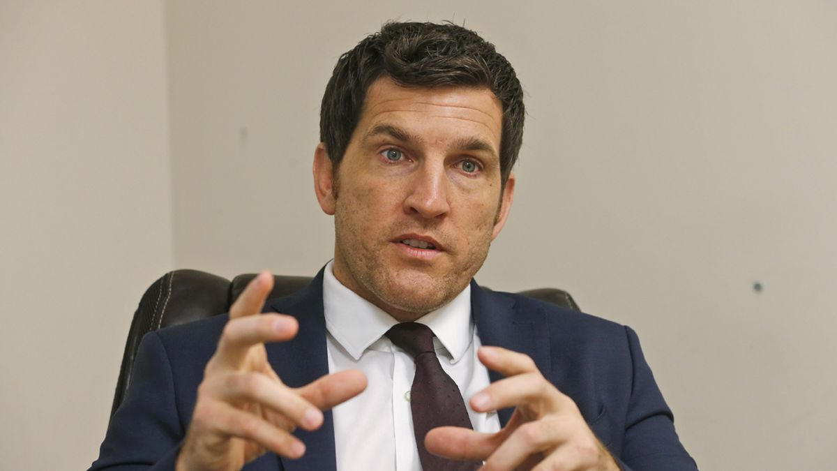 Virginia Republican Scott Taylor launches a challenge to Democratic Senator Mark Warner in 2020. The retired Navy SEAL and former Congressman of the Virginia Beach area is making a political comeback after being defeated in the 2018 Democratic House wave election cycle (Source: Steve Helber-AP)